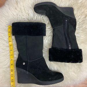 UGG Women Suede Black Boot Wedges w/ Faux Fur Sz 8